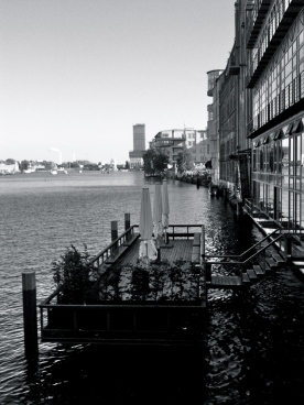 spree von der oberbaumbrücke aus gesehen