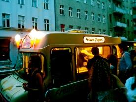 frozen yoghurt, eisenbahnstrasse
